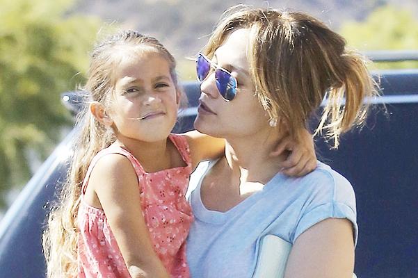 Дженнифер Лопес с дочерью