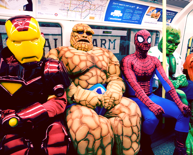 Мужчины в метро