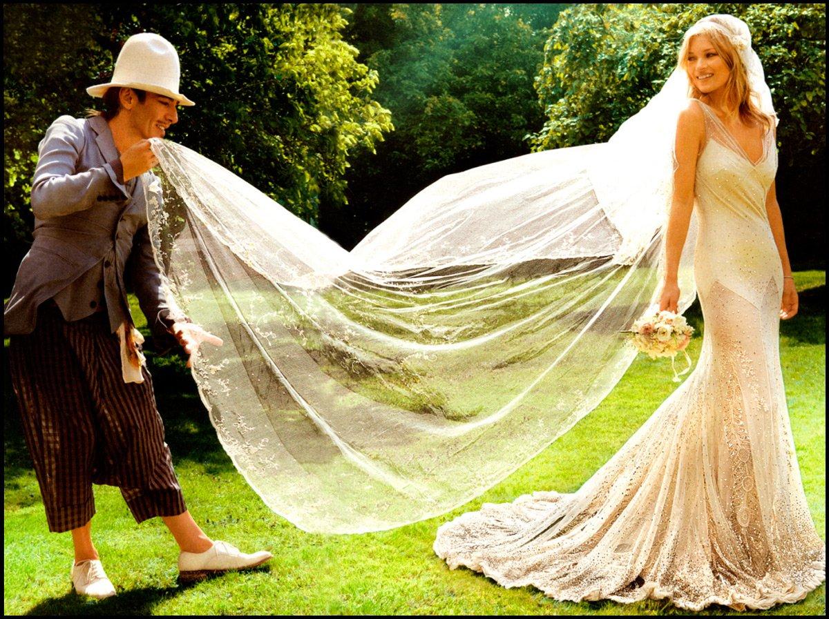 Джон Гальяно создал свадебное платье для Кейт Мосс