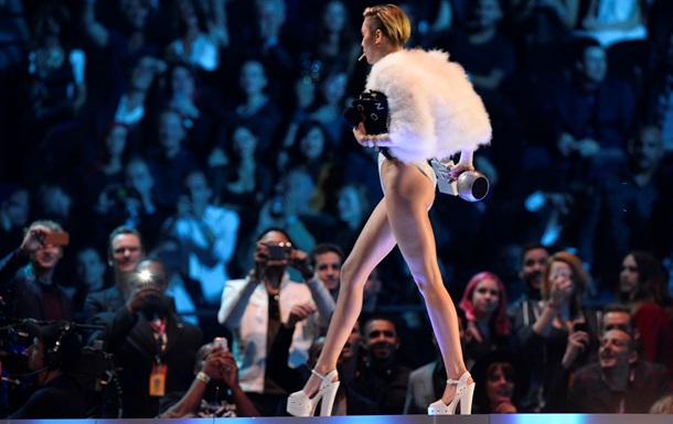 Майли Сайрус на премии MTV